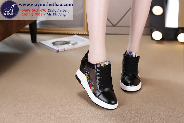 Giày thể thao nữ độn đế thêu ren đen hiện đại GTT6102